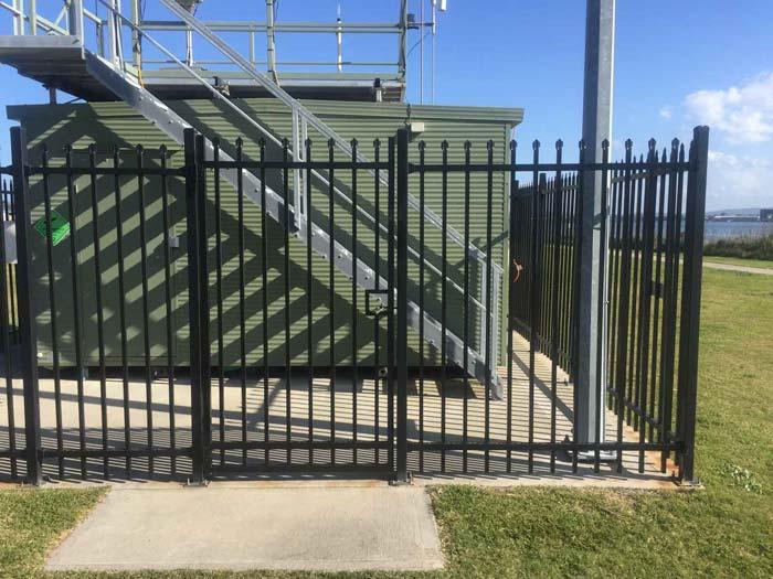 Sercurity fencing image